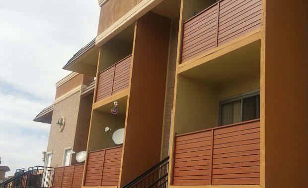 Knotwood Balcony Railing